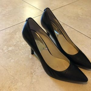 Michael Kors Size 9 Black pump
